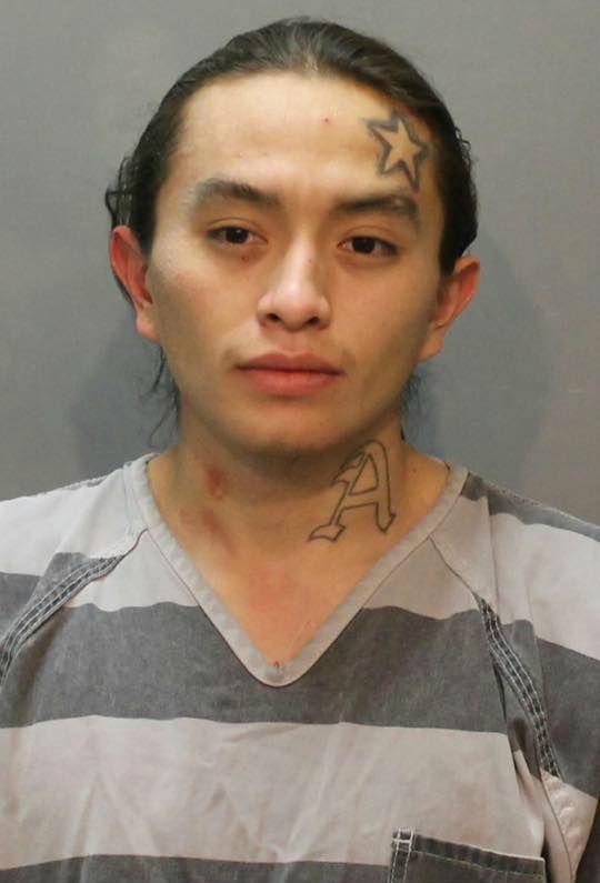 En Rapid City, el hombre condenado por agredir a los oficiales federales - Newscenter1.tv 1
